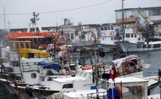 Marmara Denizi'nde poyraz ulaşımı olumsuz etkiliyor