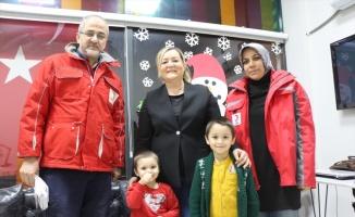 Miniklerin yardım eli Elazığ ve Malatya'daki depremzedelere uzandı