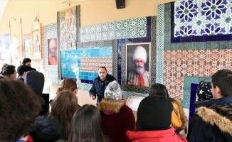 Osmanlı Padişahları Tarih Şeridi öğrencilerin tatil gezisini tarih dersine dönüştürüyor