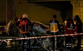 Sarıyer'de bariyerlere çarpan otomobilin sürücüsü öldü