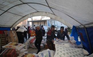 Sındırgı'dan İdlib'e yardım tırı gönderildi