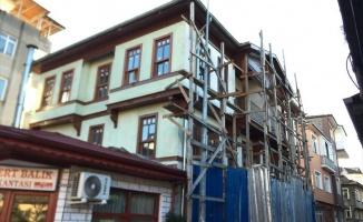 Tarihi Ereğli Evleri'nin restorasyonunda süslemelere başlandı