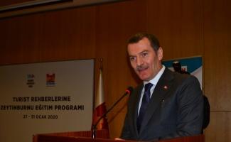 Zeytinburnu'nu tanıtacak rehberlere sertifikaları dağıtıldı