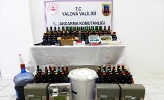 Akaryakıt istasyonunda sahte içki ürettikleri iddiasıyla 3 şüpheli gözaltına alındı