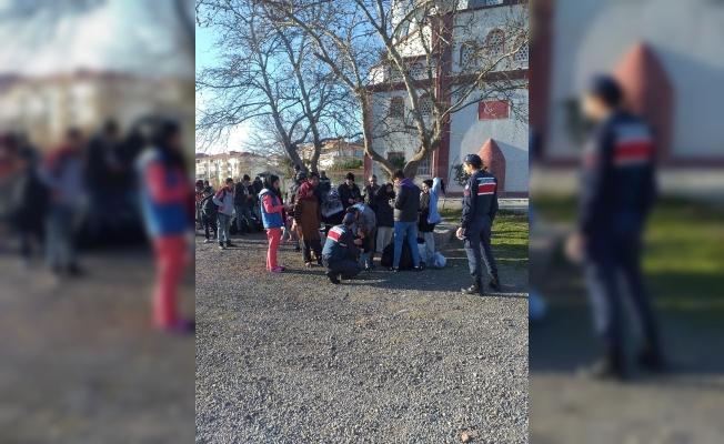 Balıkesir'de Afganistan uyruklu 42 düzensiz göçmen yakalandı