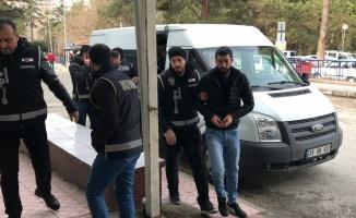 Bilecik merkezli suç örgütü operasyonunda 7 şüpheliden 2'si tutuklandı