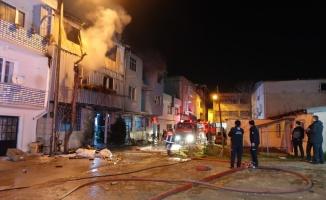 Bursa'da 3 katlı plastik imalathanesinde çıkan yangın söndürüldü