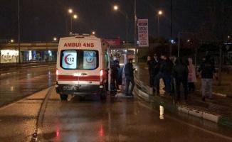 Bursa'da tıra çarpan otomobildeki 4 kişi yaralandı