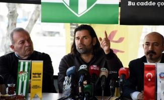 Bursaspor Teknik Direktörü İbrahim Üzülmez kaleyi gole kapatamamaktan şikayetçi
