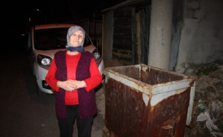 Çöp konteynerine bırakılan bebek koruma altına alındı