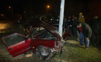 Edirne'de otomobil elektrik direğine çarptı: 1 yaralı