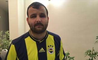 Görme engelli Fenerbahçeli müezzin, sarı-lacivertli futbolcularla buluştu