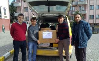 İlkokul öğrencileri Elazığ'daki depremzede çocuklar için atkı ördü