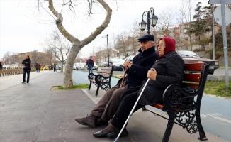 Kır düğününde başlayan aşklarını 56 yıllık evlilikle taçlandırdılar