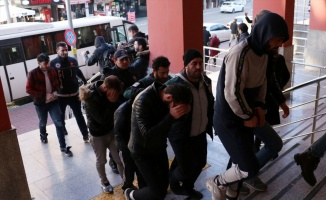 Kocaeli merkezli uyuşturucu operasyonunda 20 şüpheli yakalandı