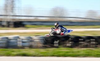 Motosikletin genç yeteneği Bahattin Sofuoğlu, şampiyonluk için gazlayacak