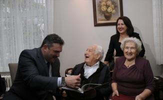 Prof. Dr. Orhan Oğuz'a duygulandıran ziyaret