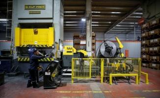 Sanayici çiftin fabrikasında üretilen raflar 74 ülkede kullanılıyor