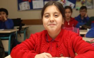 TBMM Başkanı Şentop, mektupla akıllı tahta isteyen öğrencinin yüzünü güldürdü