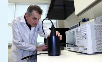 Türk bilim insanı acil durumlarda denizaltının konumunu belirten cihaz üretti