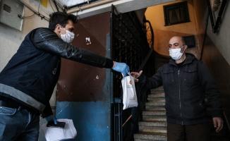 65 yaş ve üstündeki 1 milyon 150 bin kişiye maske ve kolonya dağıtımına başlandı