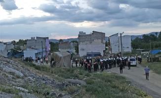 İki grup arasında silahlı kavgaya polis müdahale etti