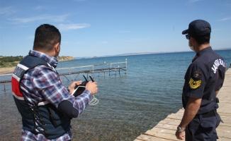 Jandarma sahillerde drone ile denetim yaptı