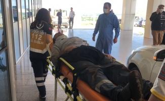 Üstlerine demir plaka düşen iki işçi yaralandı
