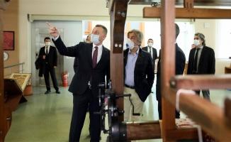 Başkan Büyükakın: Kodların ve robotların dünyasına hazırlıyoruz