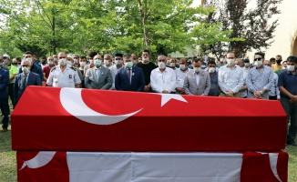 Kocaeli'de denizde boğulan polis memuru toprağa verildi