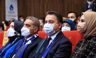 DEVA Partisi Genel Başkanı Babacan partisinin Kocaeli İl Kongresi'ne katıldı