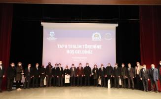 Balçık'ta hak sahiplerine tapular protokolden