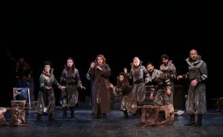 Kocaeli Şehir Tiyatroları'na 7 ödül birden