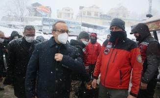 Vali Yavuz, Kartepe'de kaybolan doktoru çok yönlü aradıklarını söyledi
