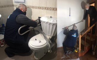 Yaşlı bireyler ev kazalarına yönelik önlemlerle hayata tutunuyor