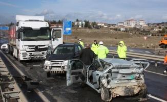 Zincirleme trafik kazasında 1 kişi hayatını kaybetti
