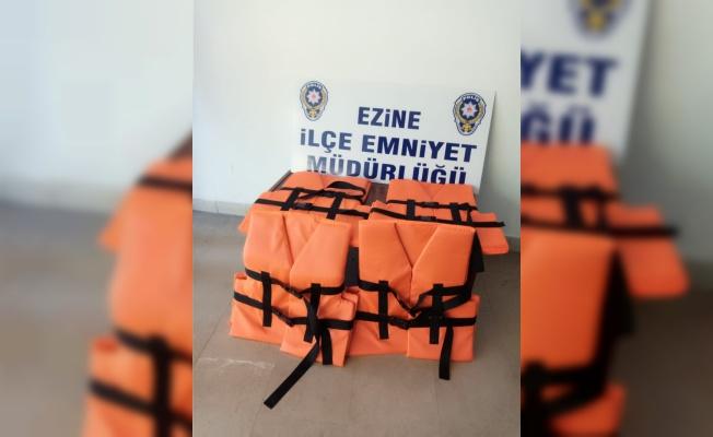 Çanakkale'de durdurulan minibüste 17 sığınmacı tespit edildi