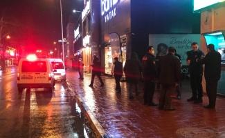 Sakarya'da trafikte tartıştığı 2 kişiyi bıçakla yaralayan şüpheli tutuklandı