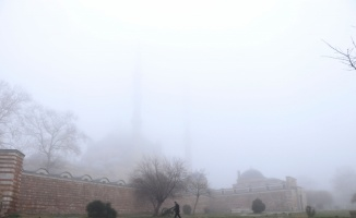 Selimiye Camisi sis altında gözden kayboldu