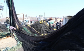 Tekirdağlı balıkçılar, Marmara'daki deniz salyası yüzünden dümeni Karadeniz'e kıracak
