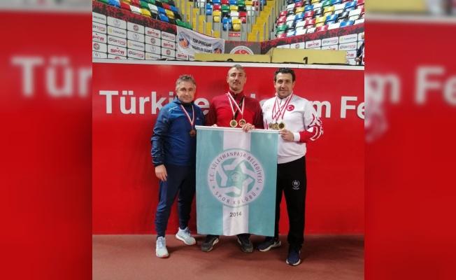 Tekirdağlı sporcu Atletizm Masterler Türkiye Salon Şampiyonası'nda 3 madalya kazandı