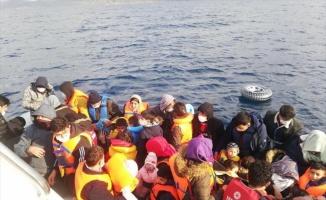 Çanakkale açıklarında Yunanistan unsurlarınca geri itilen 110 düzensiz göçmen kurtarıldı