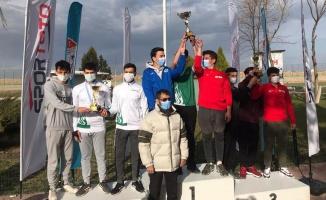 Kağıtsporlu atıcılar madalyaları topladı