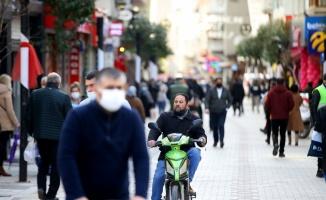 Kovid-19 vakalarının arttığı Kırklareli'nde bazı vatandaşlar uyarılara rağmen maske takmıyor