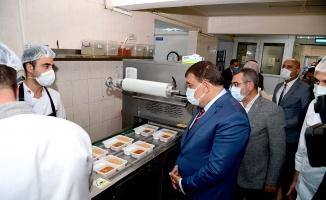 Malatya'da her gün 4 bin kişiye sıcak yemek