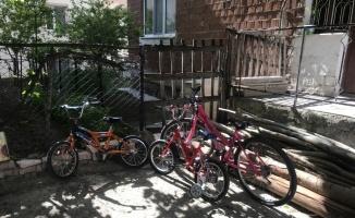 Bilecik'te otomobille çarpışan bisikletli çocuk yaralandı