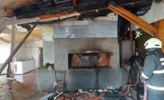 Gebze'de çıkan yangında fırın müştemilatı hasar gördü