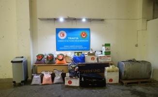 Kapıkule Sınır Kapısı'nda bir tırın yakıt tankında 526 bin uyuşturucu hap ele geçirildi