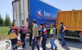 Kırklareli'nde tır ile kamyon çarpıştı: 2 yaralı