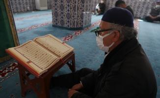 Tekirdağ'daki camilerde mukabele geleneği devam ediyor
